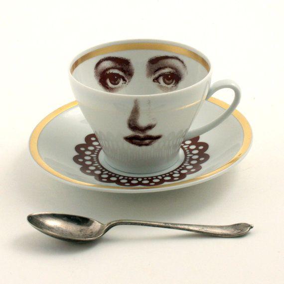 Чарующий взгляд из чашки :)